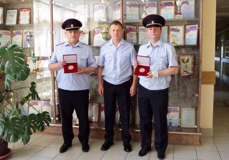 В УВД по ЮВАО сотрудникам полиции торжественно вручили памятные медали
